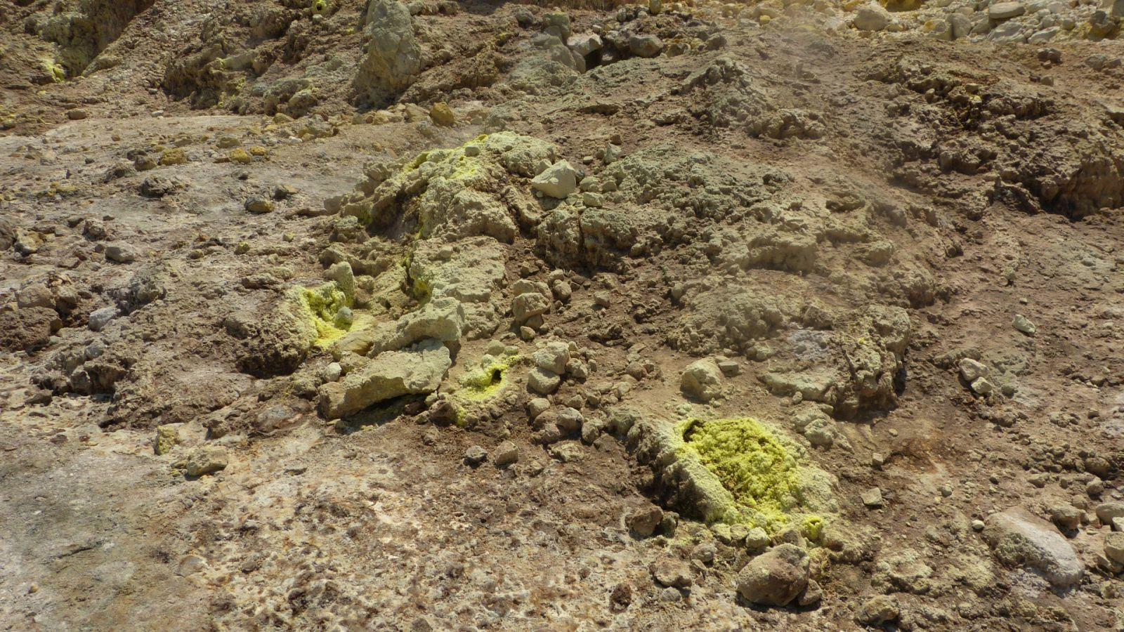 Fumaroly v kráteru Nisyros