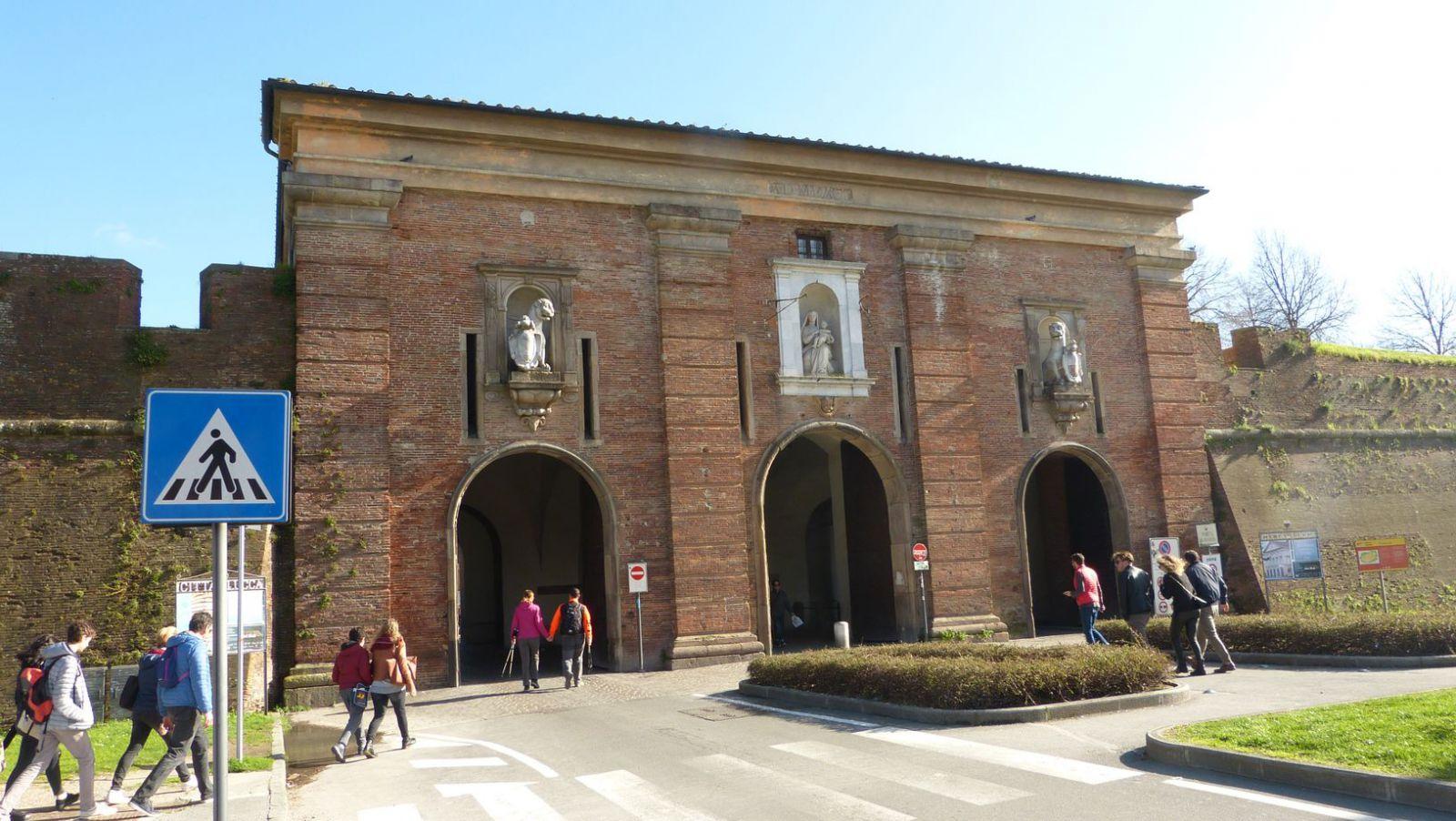 Lucca - brána