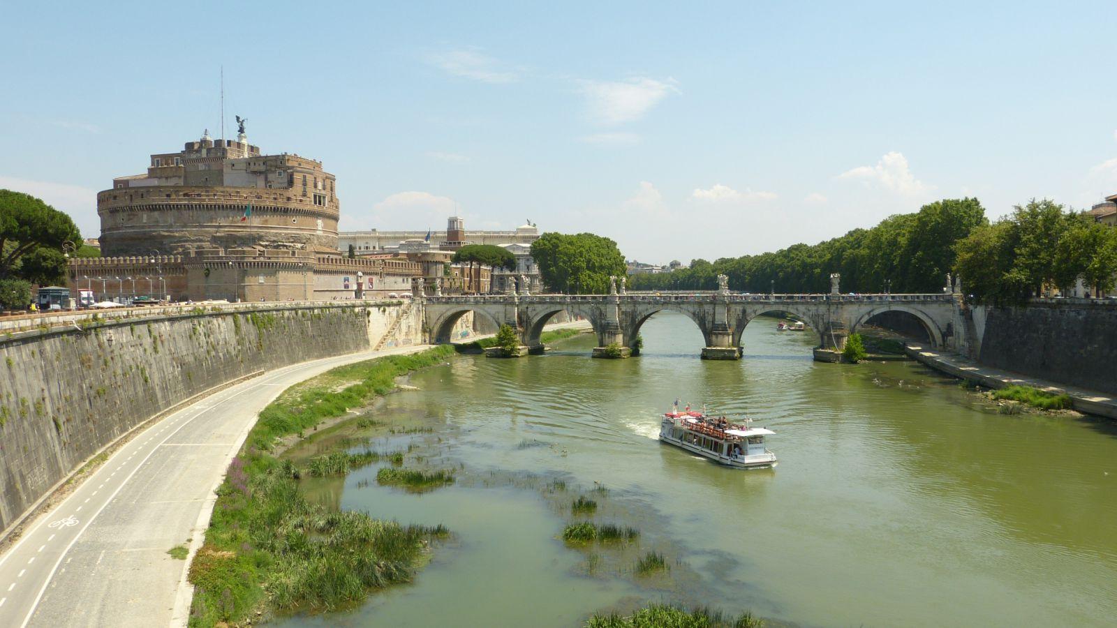 Andělský hrad a most