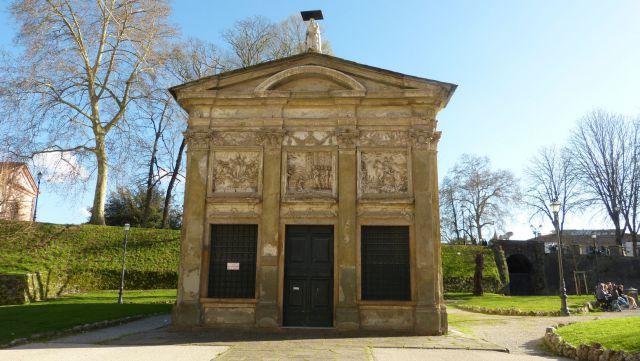 Lucca - Oratorio della Madonnina