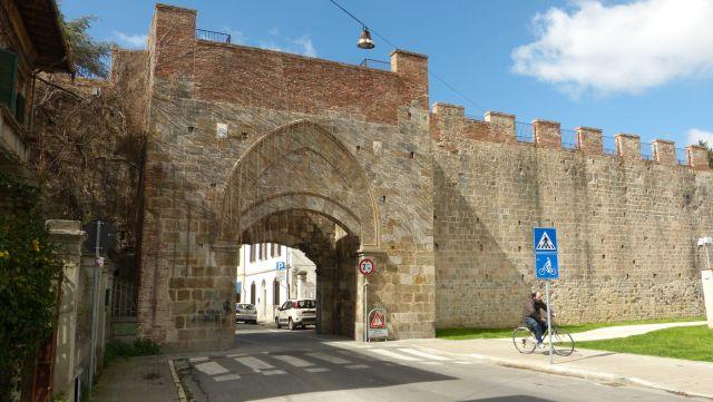 Pisa - brána