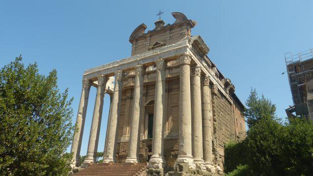 Chrám Antonina a Faustiny