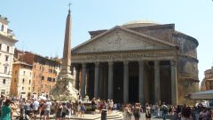 Pantheon a obelisk