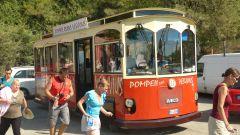 Turistický autobus Pompeje-Vesuv