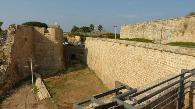 Akko - hradby