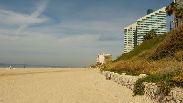Herzliya - pláž