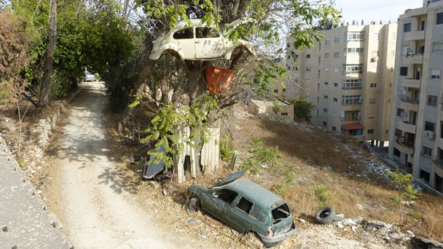 Betlém - auto na stromě