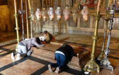 Jeruzalém - Boží hrob - Kámen pomazání