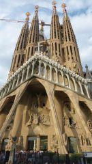 Barcelona - Sagrada Família - věže nad vstupem