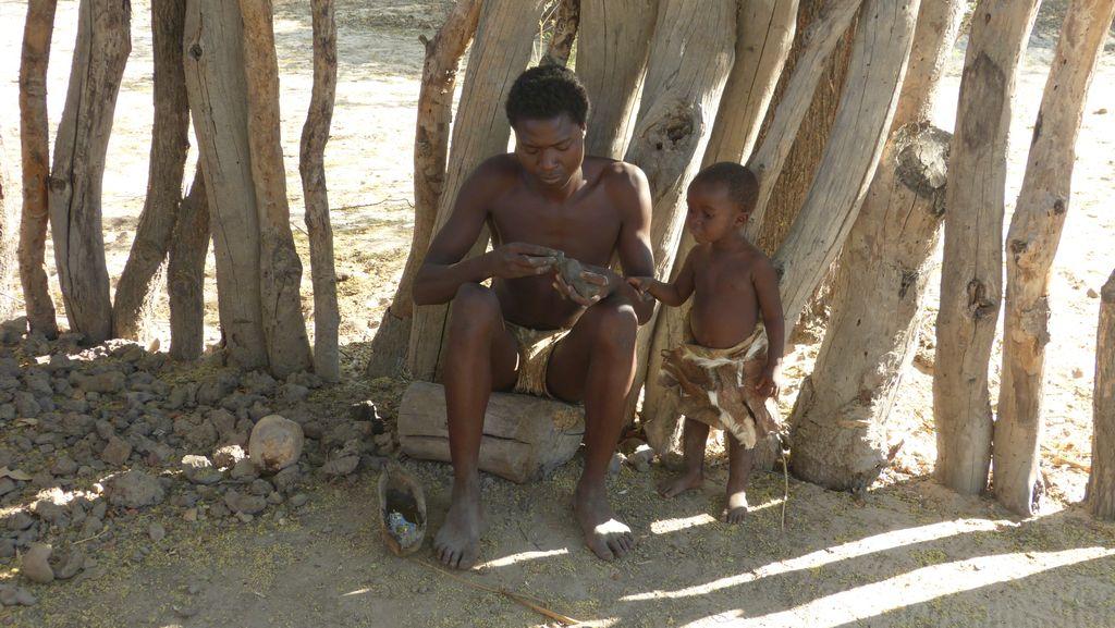 Mbunza Living Museum - výroba hliněné figurky