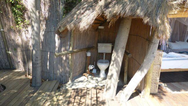 Tree House - záchod