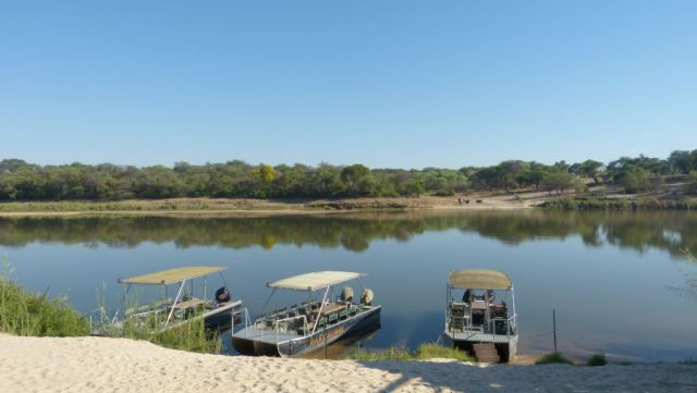 Řeka Okavango u kempu Hakusembe