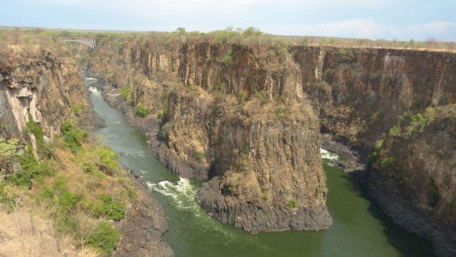 Victoria Falls - kaňon pod vodopádem