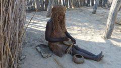Mbunza Living Museum - pletení misky