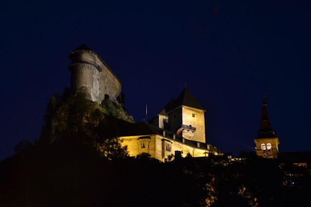 13 08 07 21.12.07 Noční Oravský hrad.