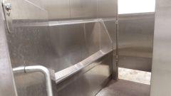 Basilej - WC Páni - interiér