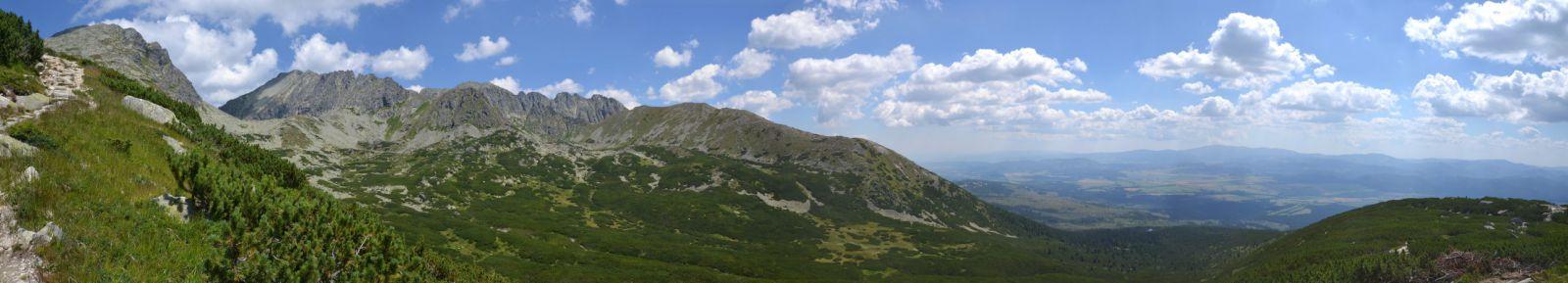 13 08 03 12.54.45 Panorama cestou z Kriváně