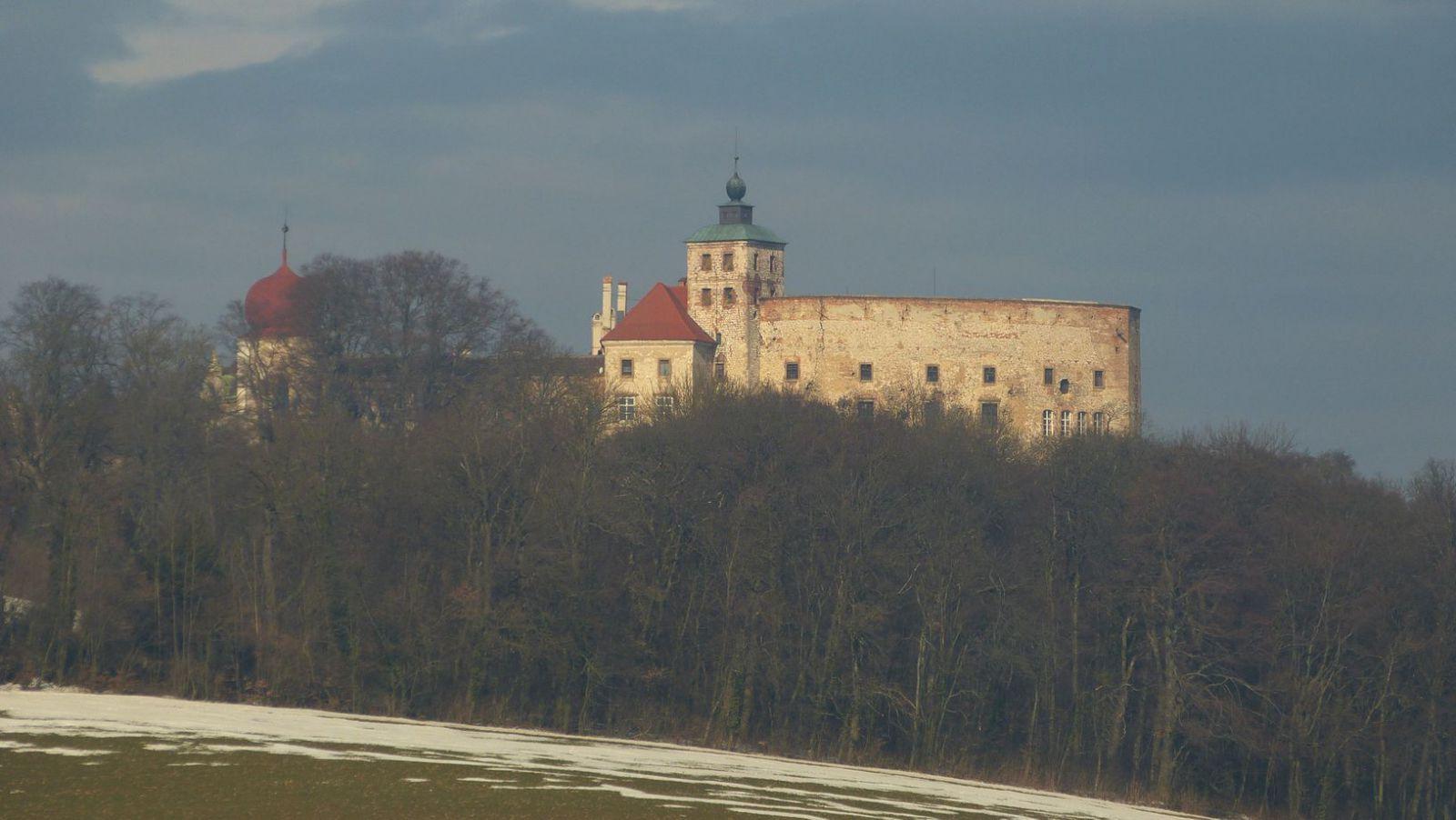 Dörfles - zámek Ernstbrunn