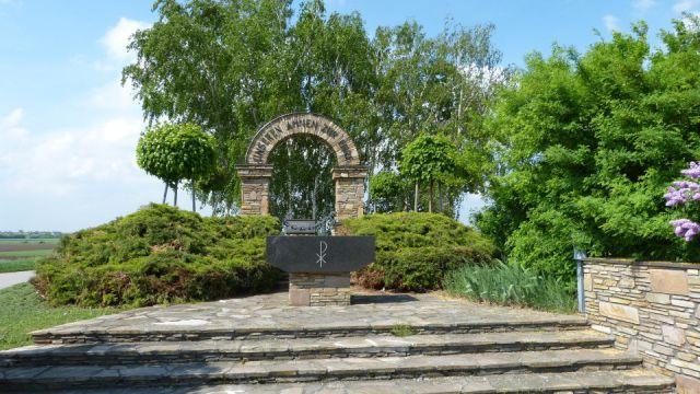 Wulzeshofen - památník