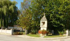 Drasenhofen - boží muka a hřbitov