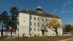 Ernstbrunn - škola