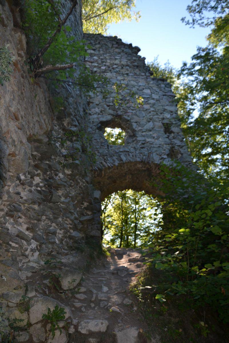 13 08 05 17.06.51 Starý hrad nad Strečnem