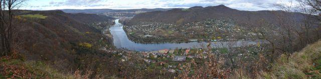 13 11 09 13.14.53 Údolí Labe a Ústí nad Labem z Milenecké vyhlídky
