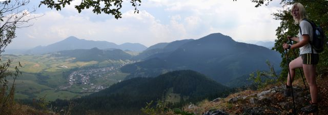 13 08 09 12.49.55 Panorama - Vyhlídka z Hrdoše
