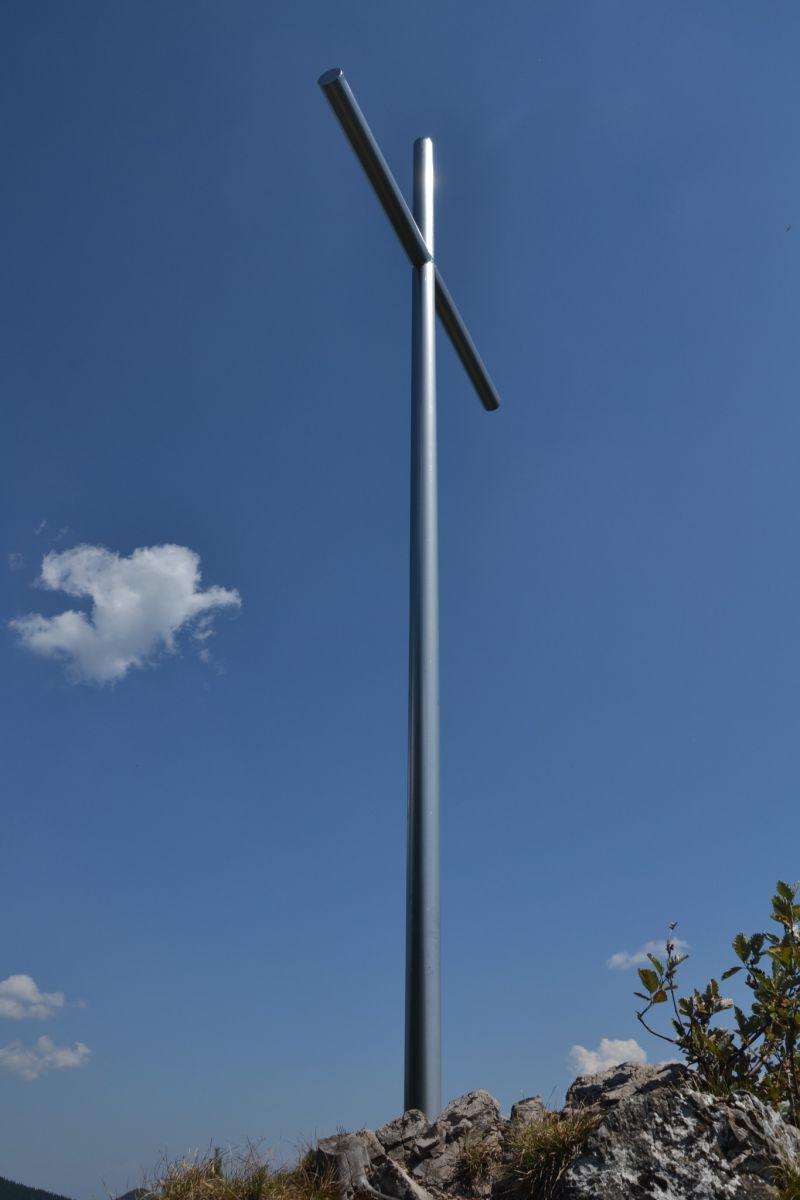 13_08_07 12.08.44 Kříž na Prednom Choči.jpg