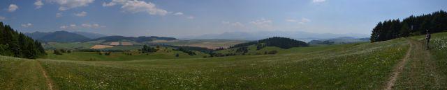 13 07 29 13.42.48 Panorama z cesty mezi Kvačiany a Prosiekem