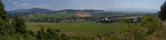 13 07 29 13.16.54 Panorama z cesty mezi Kvačiany a Prosiekem