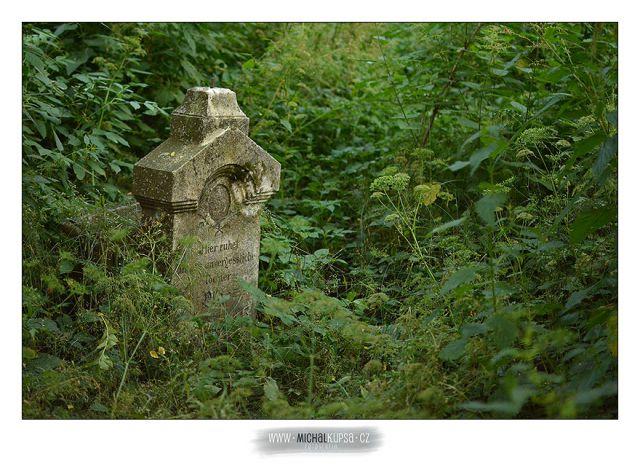 07. Ještě jeden náhrobek