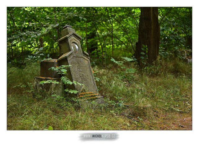 04. Další z pěkných náhrobků