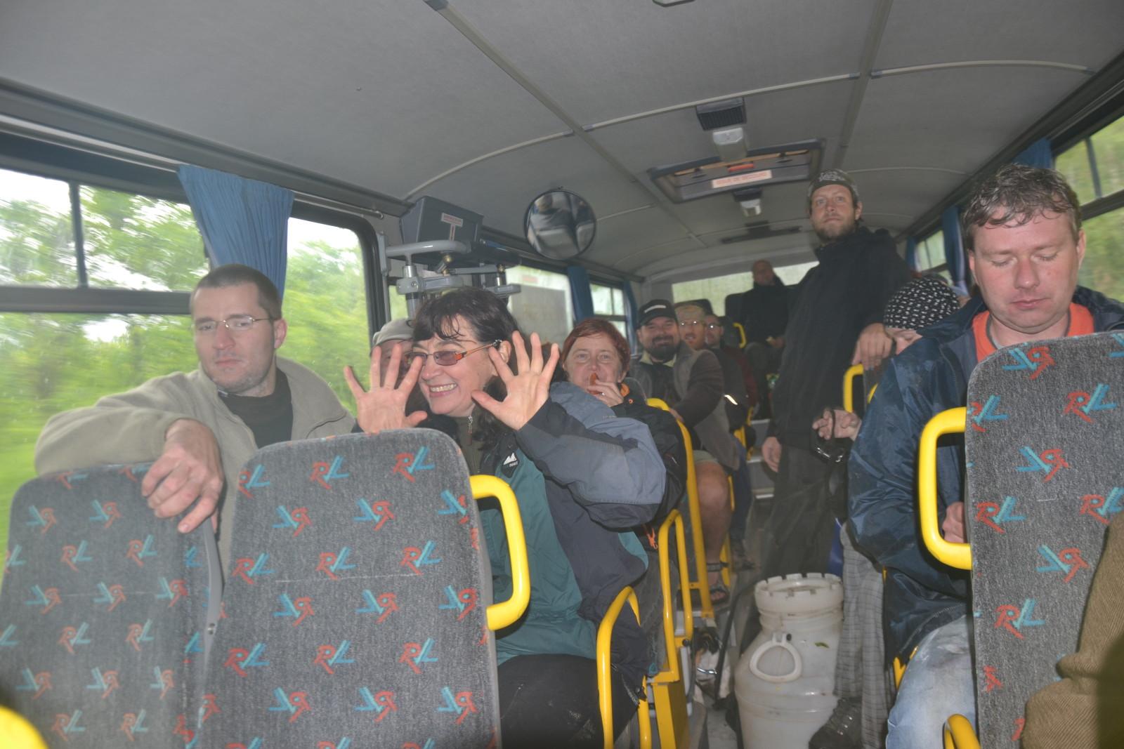 13 05 26 15.06.12 Druhý Den V autobuse Už nás tolik nebylo