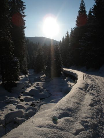 13 03 16 16.59.52 Údolí Mumlavy v zapadajícím slunci