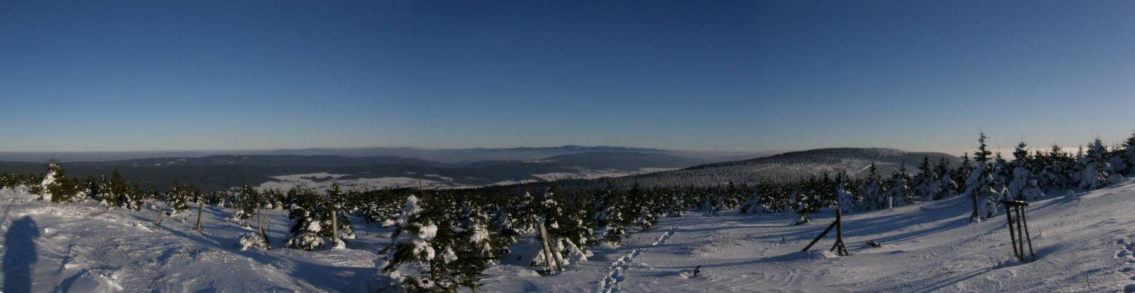 09 01 11 14.30.30 Pohled Od kiosku Na Velké Deštné   panorama