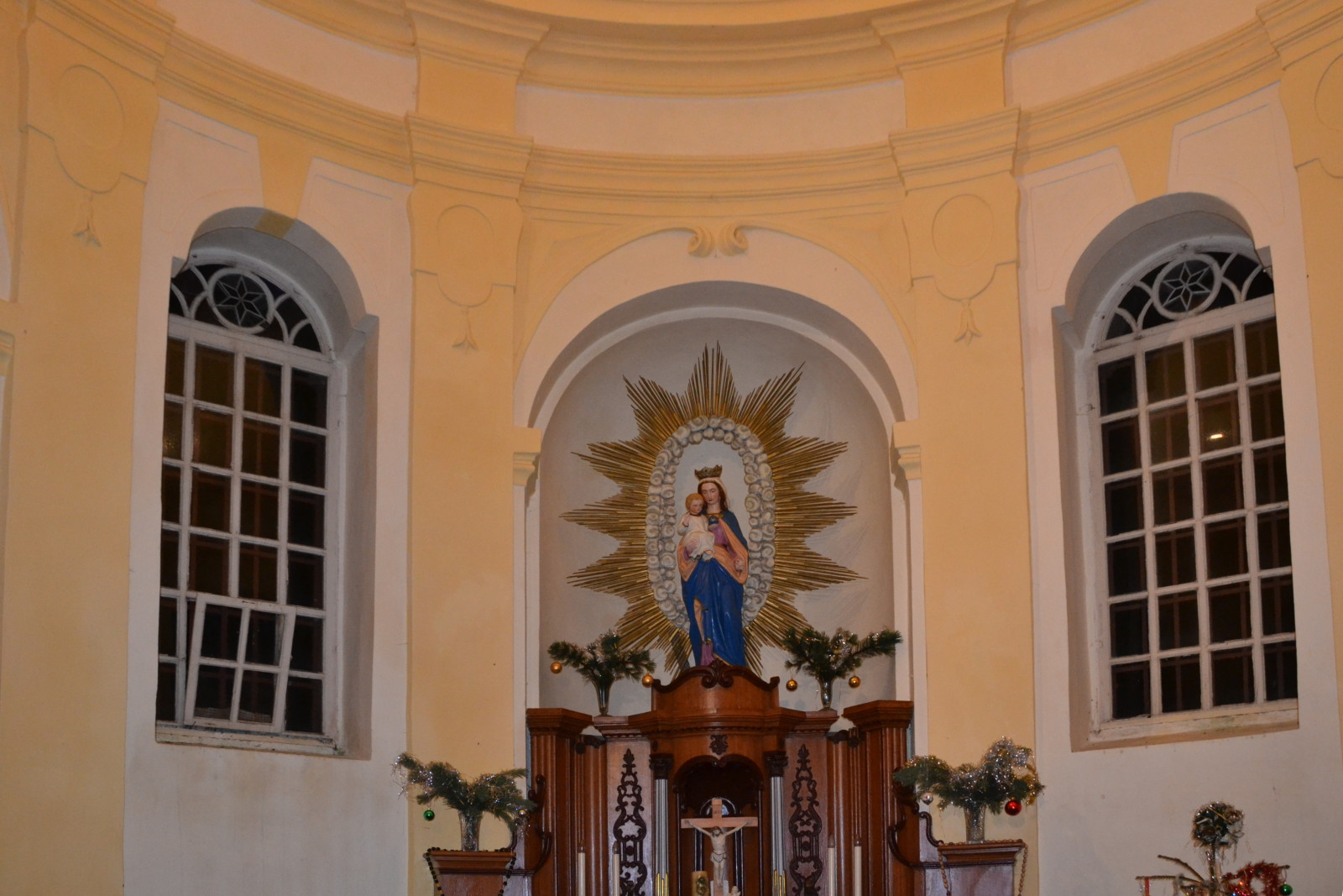 13 12 24 00.12.11 Uvnitř Kaple panny Marie Sněžné na Hvězdě