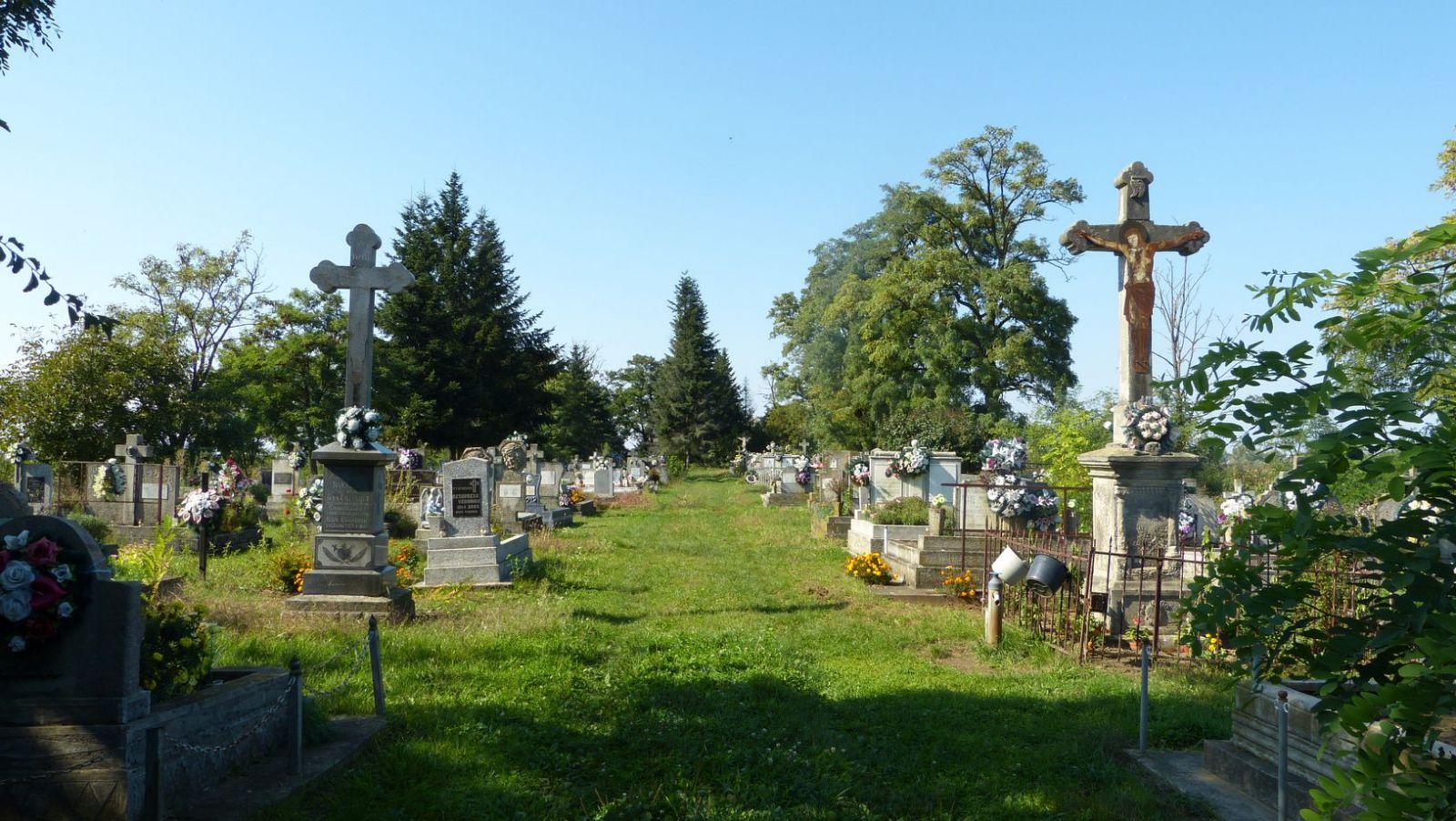 Malé Slemence - hřbitov