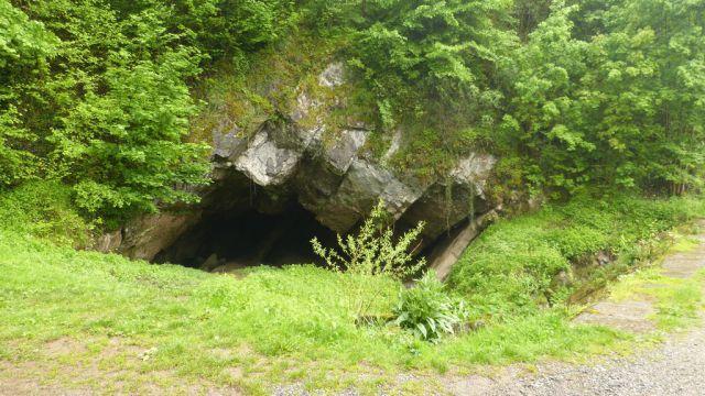 Jeskyně Nou Maulin u města Rochefort